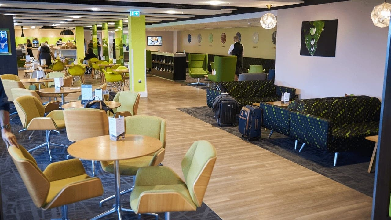 Stansted Airport Escape Lounges Slide 2